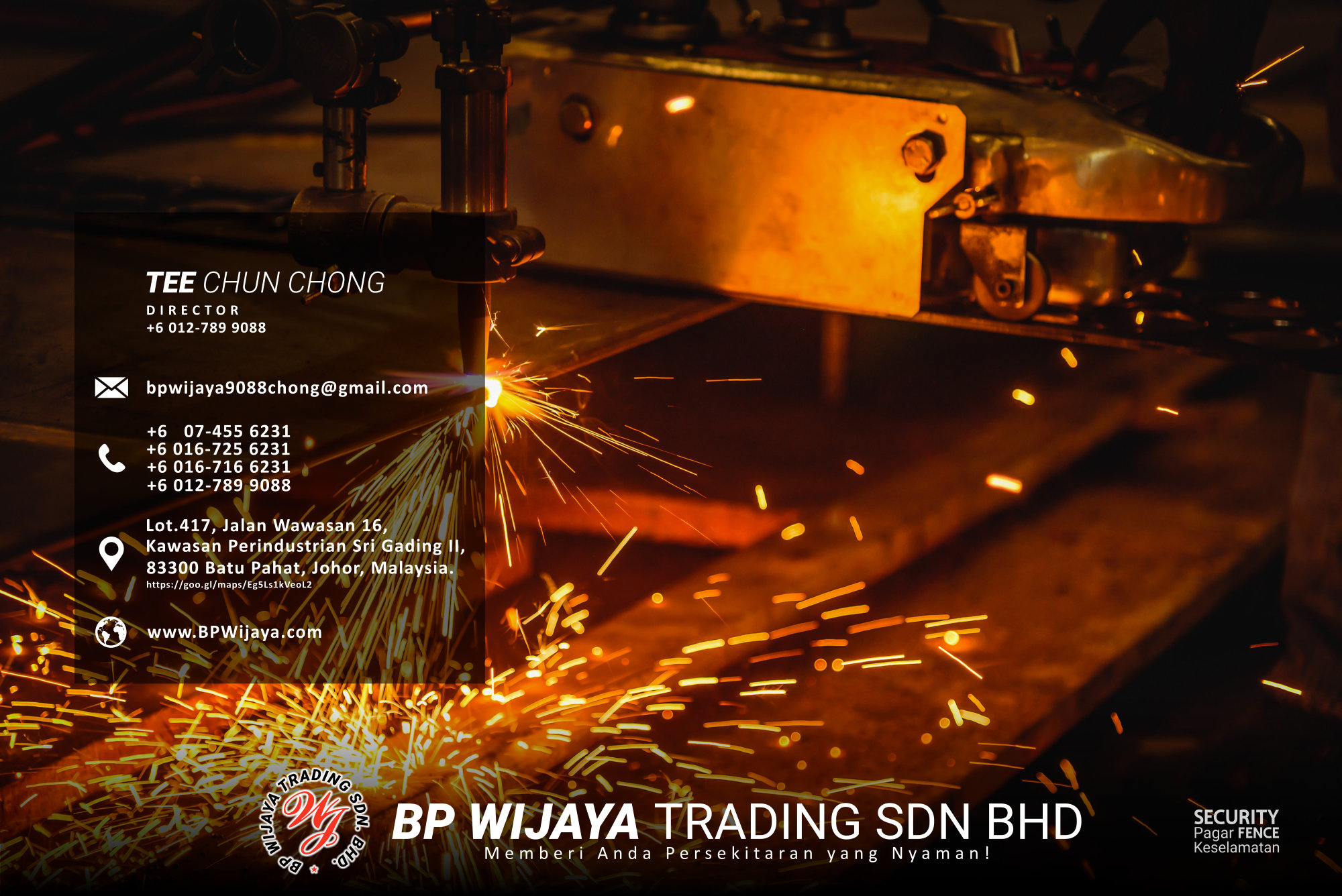 Worker cutting steel plate with acetylene welding cutting torch